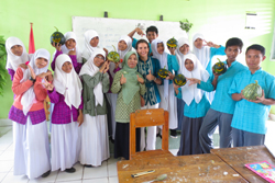 Fulbright winner Catharina Damrell '11 with her students in Kendari, Indonesia.